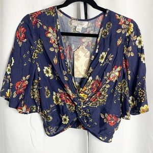 New band of Gypsies Floral Navy twist front crop M